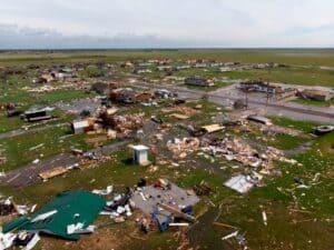 Louisiana - hurricane Laura - photo crashed buildings